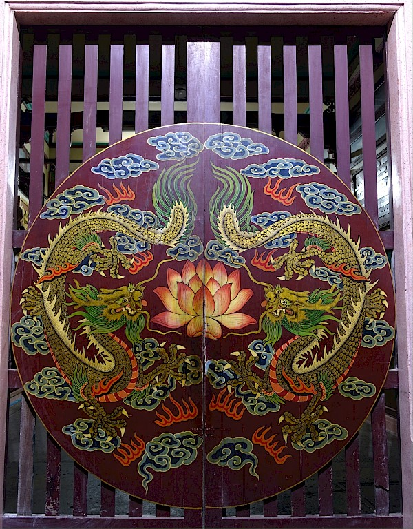 Painting on a template gate