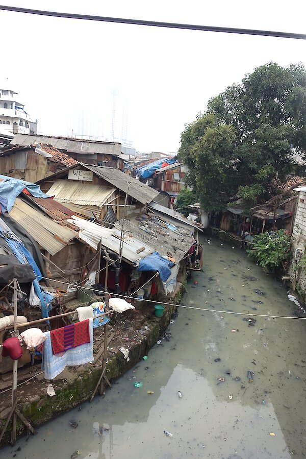 Hovels and polluted water in Jakarta